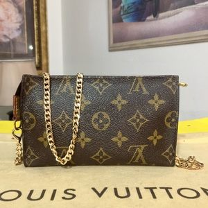 Louis Vuitton Bucket Pouch 👝 Shoulder Bag 💼